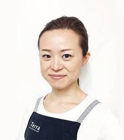 Mayumi. N
